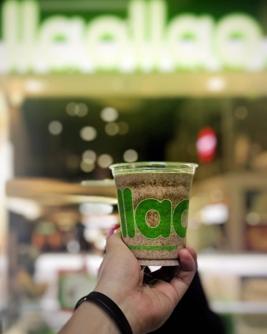 llaollao launches mini cookies smoothie
